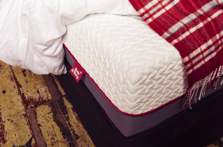 hyde and sleep mattress review