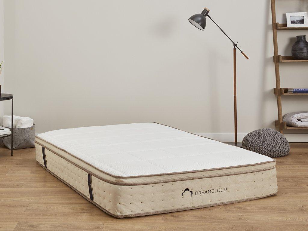 dreamcloud mattress floor